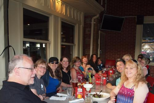 Thursday night pre-marathon dinner at Boston Pizza in Huntsville. ~ Photo credit to our waitress.