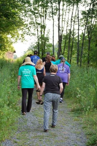 Sue Kenney leading the 2015 MNM Barefoot Walkers ~ Photo by Dawn Huddlestone
